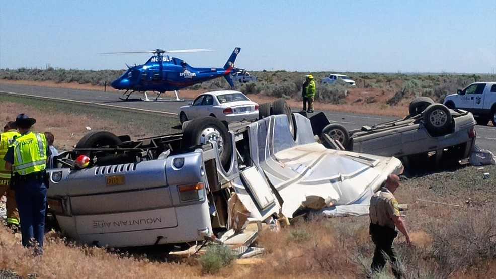 e5a206db-6201-48bb-9662-ab3121304ae8-large16x9_170529_pio_i90_rollover_crash_1200